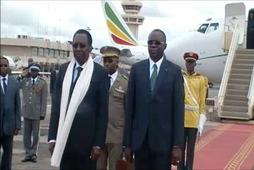 Arrivée du Président Dioncounda Traoré à Ouagadougou