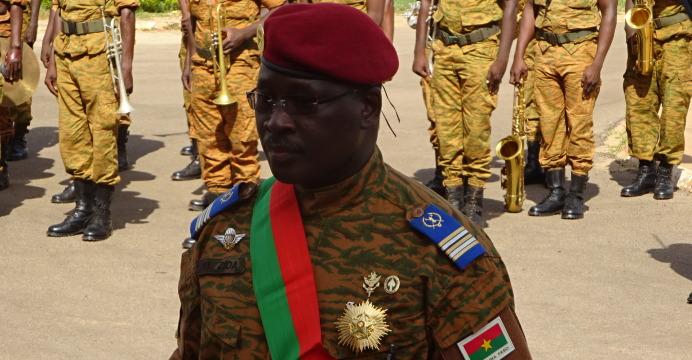 Le Lieutenant-Colonel Isaac Zida, élevé à la Dignité de Grand-Croix
