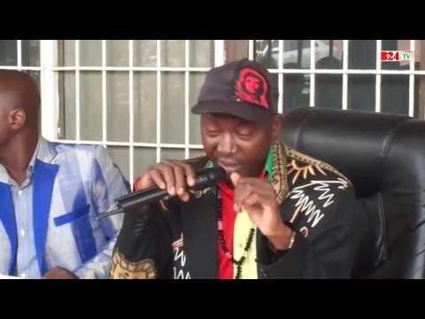 Zêdess chante pour les martyrs de l'insurrection
